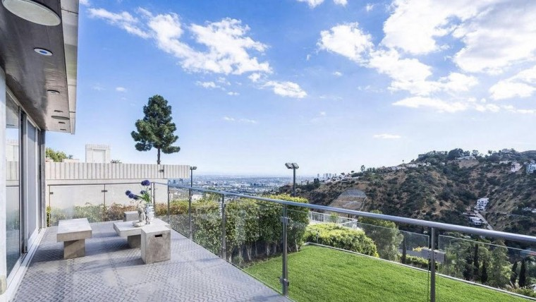 Celebrity backyard overlooking the city of Los Angeles