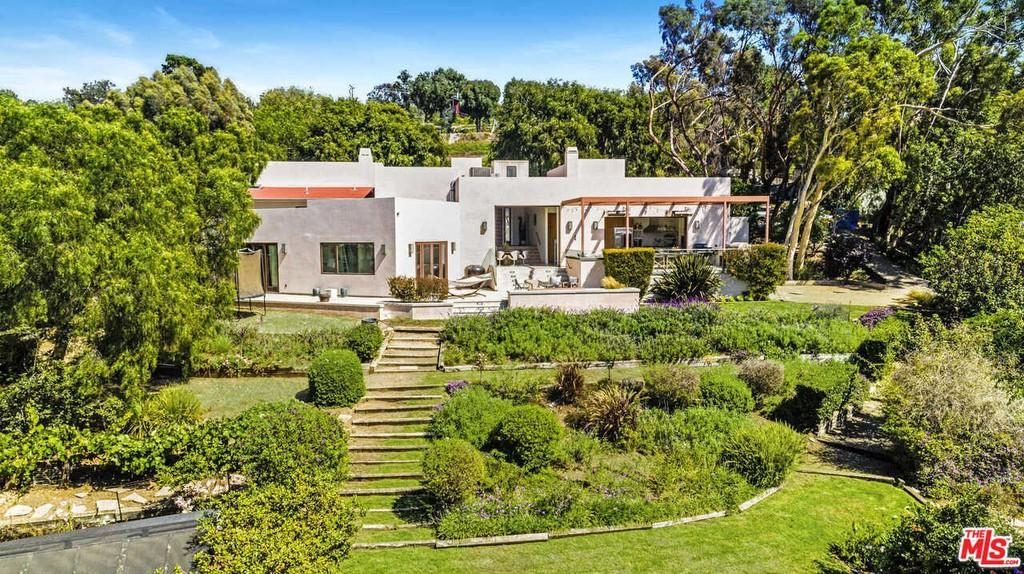hemsworth brothers selling their la home